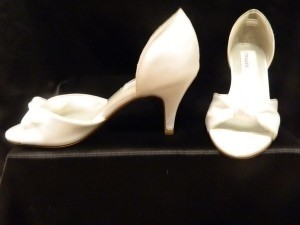 Dyeables White Love Me Tender Size US 6.5