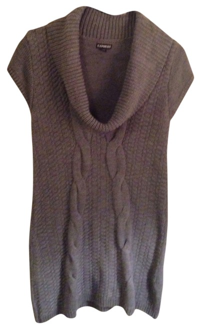 Preload https://img-static.tradesy.com/item/807048/express-cable-knit-gray-sweater-0-0-650-650.jpg
