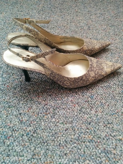 Nine West Metallic, cream, and gold Pumps Image 1