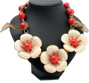 Marc by Marc Jacobs Marc By Marc Jacobs Chunky Flower Garland Standard Supply Statement Necklace