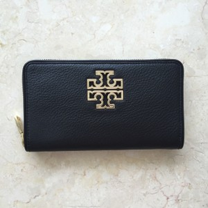Tory Burch New Britten Zip Continental Wallet