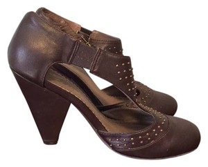Envy Brown Pumps