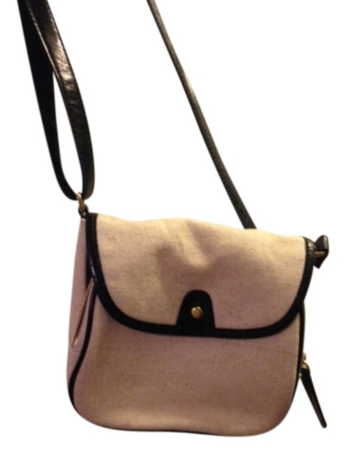 Item - Cream/Black Shoulder Bag