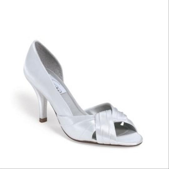 Dyeables White Erica-9 Size US 9