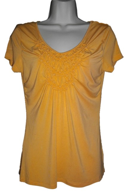 Willi Smith Ruffles Short Sleeves Trapeze V-neckline Pullover Style Top Gold Image 0