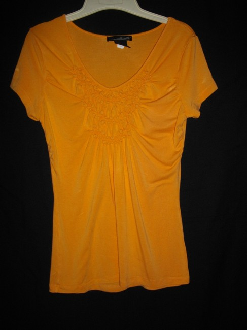 Willi Smith Ruffles Short Sleeves Trapeze V-neckline Pullover Style Top Gold Image 3
