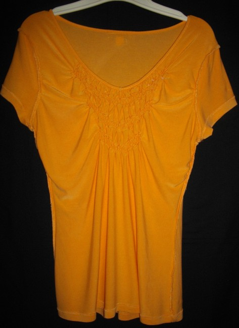 Willi Smith Ruffles Short Sleeves Trapeze V-neckline Pullover Style Top Gold Image 6