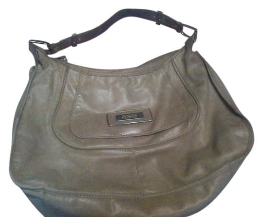 Kenneth Cole Reaction Chic Chic Leather Comfortable Shoulder Bag