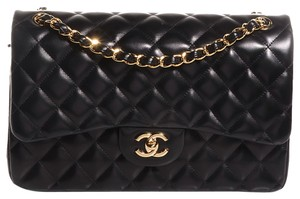 Chanel Jumbo Classic Quilted Shoulder Bag