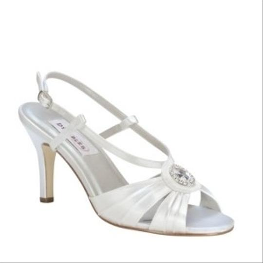 Dyeables White Janelle Size US 9