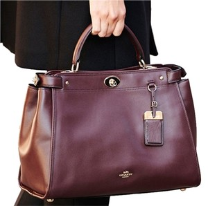 Coach New With Tags Smooth Leather Crossbody Strap Handles Turnlock Fabric Lining Satchel in Oxblood, Brown