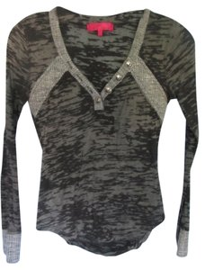 Almost Famous Clothing Top black and grey