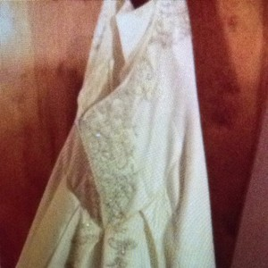 Bonny Bridal Off Whie Wedding Dress Size 18 (XL, Plus 0x)