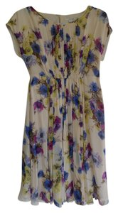 Boden short dress Floral Cecily Flowy Pretty Gathered Cap Sleeves Semi Fitted Knee Length Feminine on Tradesy