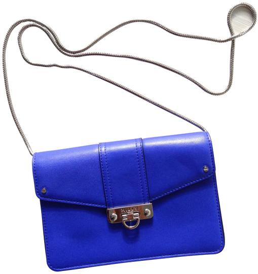 Preload https://img-static.tradesy.com/item/8095240/milly-blue-leather-cross-body-bag-0-4-540-540.jpg