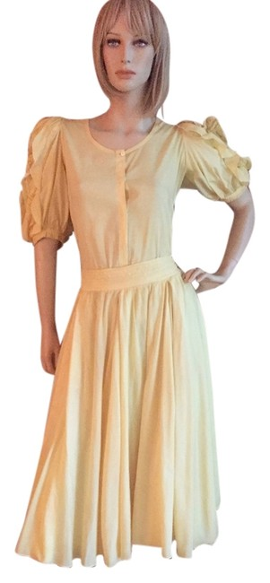 Preload https://img-static.tradesy.com/item/8095897/pale-yellow-mid-length-casual-maxi-dress-size-8-m-0-2-650-650.jpg
