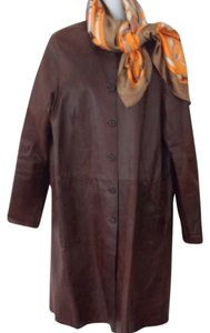 SOLOW Distressed Leather Brown Horn Button Overcoat Jenisa Washington 3/4 Length Trench Coat