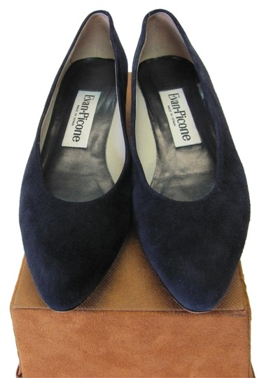 Preload https://img-static.tradesy.com/item/8096548/evan-picone-black-suede-very-good-condition-pumps-size-us-8-narrow-aa-n-0-3-540-540.jpg