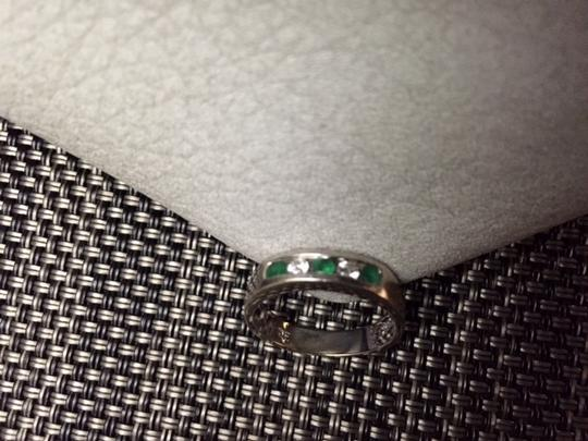 White Gold Genuine Diamonds Natural Emeralds Solid Size 6.5 Ring Image 3