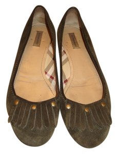Burberry Olive green Flats