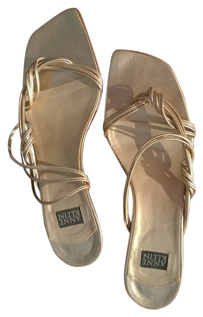 Item - Gold Soft Metallic Made In Italy Sandals Size US 8 Regular (M, B)