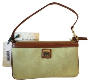 Dooney & Bourke Leather Wristlet in Green