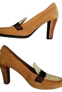 Tod's Tods Designer Loafer Loafers tan & cream Pumps