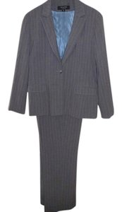 Signature by Larry Levine Signature by Larry Levine Pants Suit