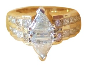 3.42 Cts Triangle Diamond & 14K Gold Ring