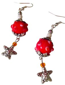 HANDMADE EARRINGS WITH STARFISH AND LAMPWORK GLASS ORANGE WHITE SILVER 3 INCHES LONG J55