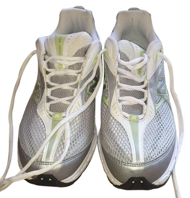 Item - White with Lime Green Accents Fuse Sneakers Size US 9.5 Regular (M, B)