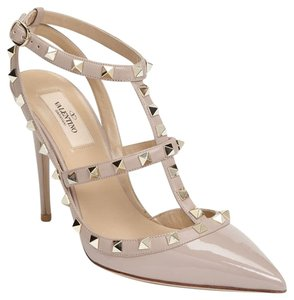 Valentino Beige Rockstud Nude Patent Leather T-strap Slingback Pointed Toe Poudre 9 Pumps Size US 8.5 Regular (M, B)