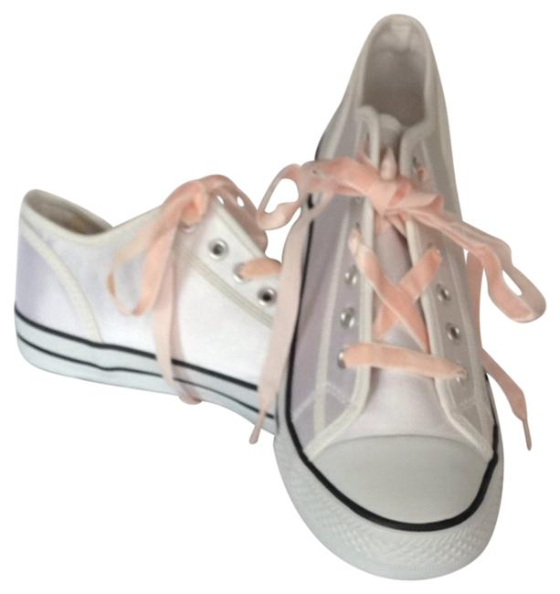 Item - White Sneakers Size US 10 Wide (C, D)