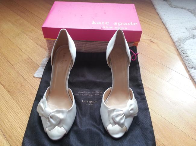 Item - Ivory Shalyn Gold Glitter Heel Pumps Size US 8.5