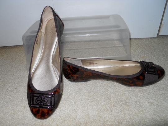 Isola Leather brown print Flats Image 10