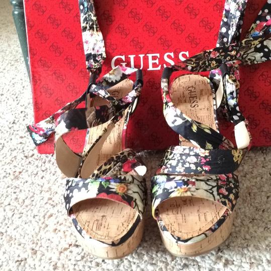 Guess Multi Wedges Image 1