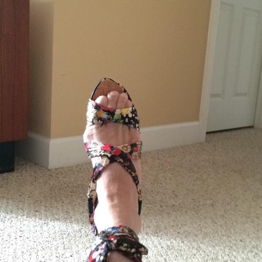 Guess Multi Wedges Image 10