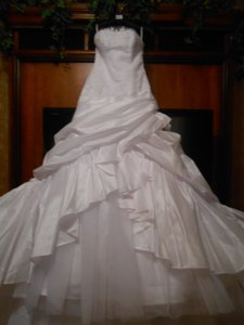 Enzoani Brand New Modeca Mavis Wedding Dress