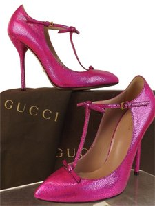 Gucci Fuchsia Pumps