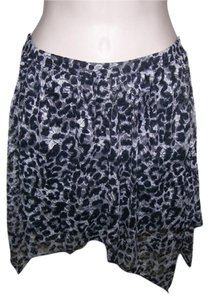 Heart & Hips Small Juniors Animal Print Mini Assymmetrical Length Mini Skirt Multi Color