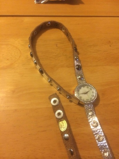 Other Ladies Silver Rhinestone Leather Watch Image 3
