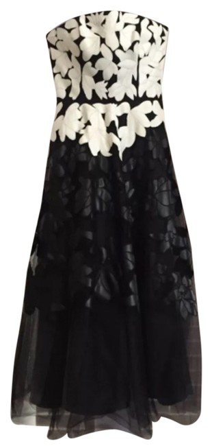Preload https://img-static.tradesy.com/item/8146885/sachin-babi-black-and-white-long-formal-dress-size-2-xs-0-4-650-650.jpg