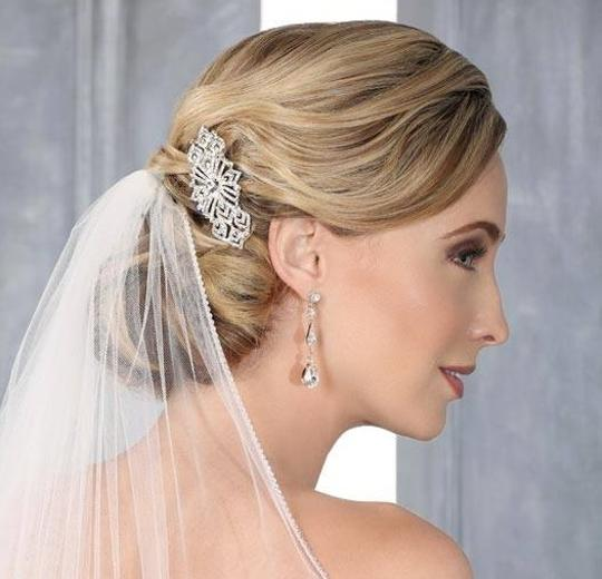 Preload https://img-static.tradesy.com/item/814885/silver-art-deco-vintage-inspired-sparkly-comb-hair-accessory-0-0-540-540.jpg
