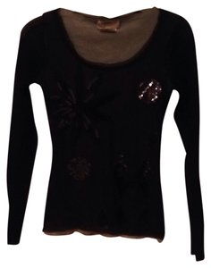 Fuzzi Top Black with silver accents