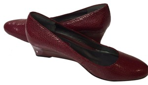 Bandolino Burgundy Wedges