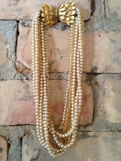 Bow Clasped Necklace And Bracelet