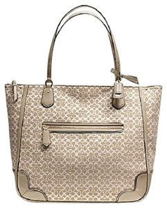 Coach Poppy Handbag Signature Tote in KHAKI