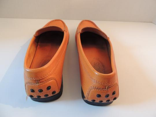 Tod's Orange leather Flats