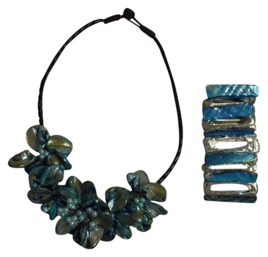 Other Mother of Pearl necklace & bracelet