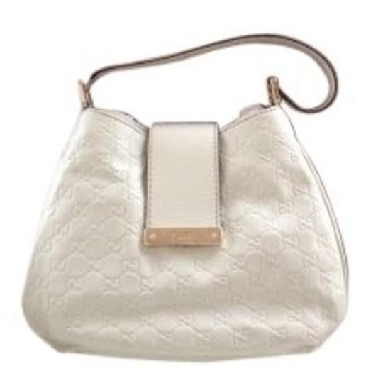 Preload https://img-static.tradesy.com/item/8186/gucci-medium-single-non-adjust-strap-off-white-leather-with-leather-trim-and-light-gold-hardware-hob-0-0-540-540.jpg